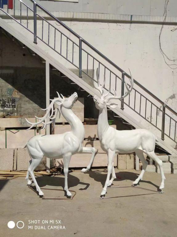 白色小鹿2