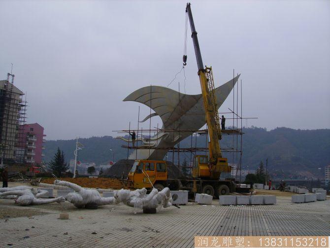 广场不锈钢体育运动雕塑2
