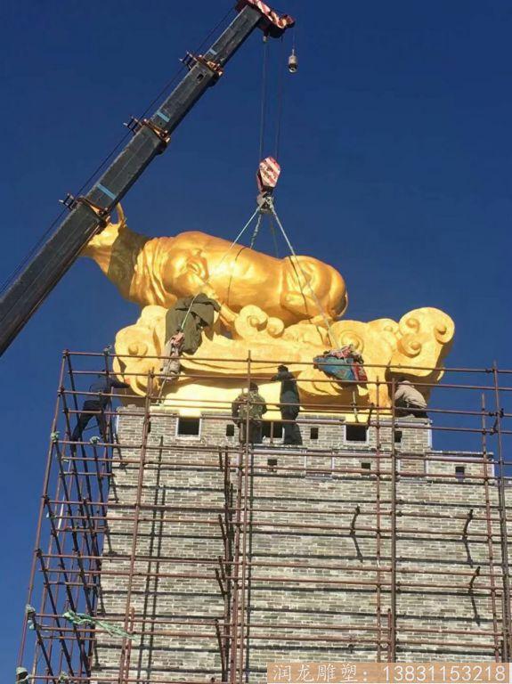 广场大型铜牛雕塑